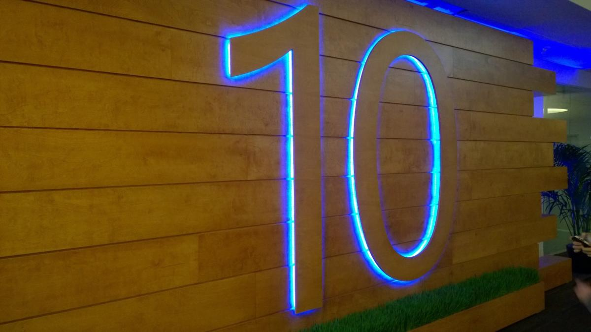 windows 10 number