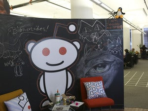 Reddit mascot