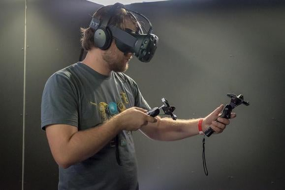 http://core0.staticworld.net/images/article/2015/08/htc-vive-100610795-large.jpg