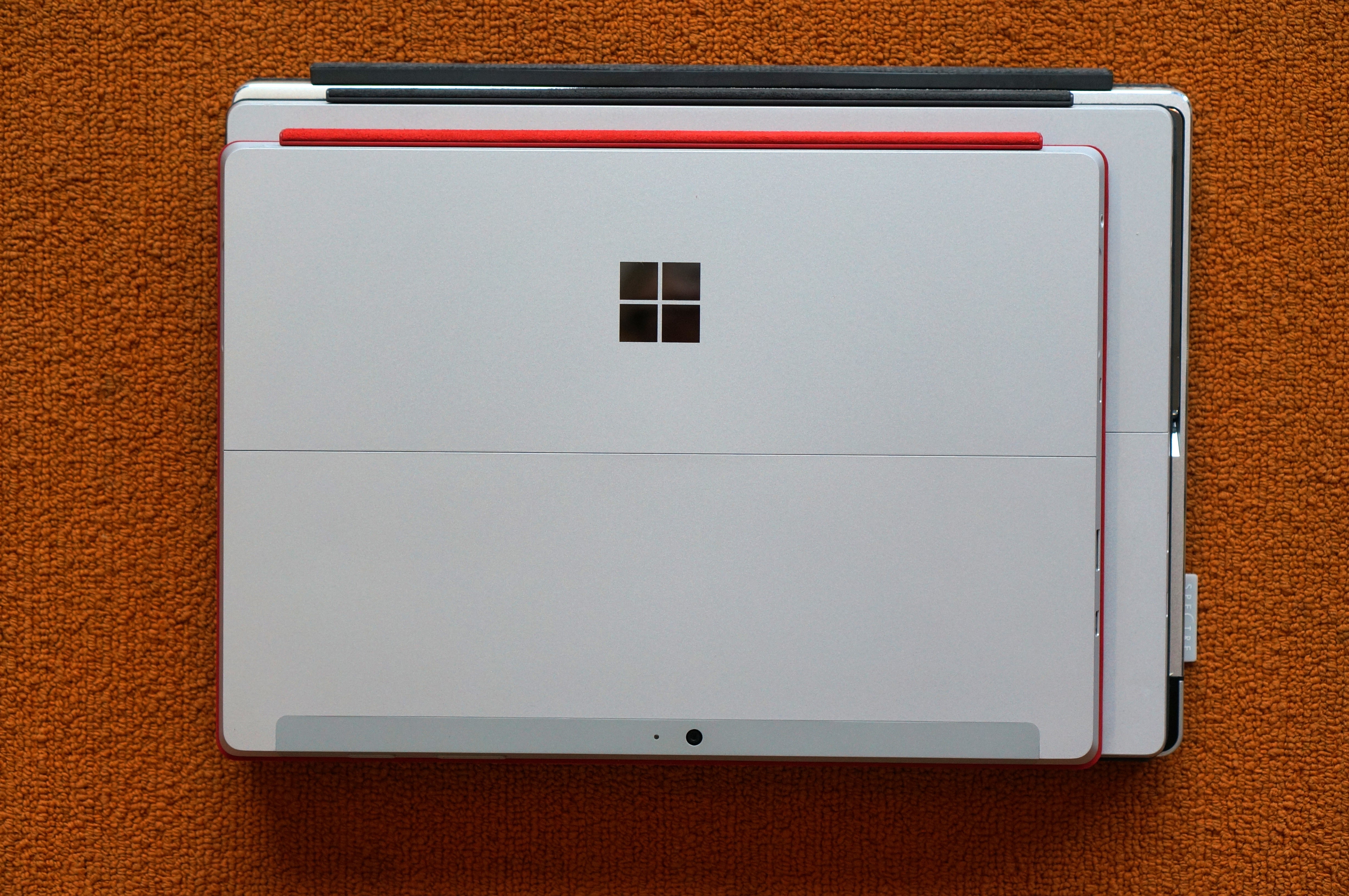 Sizing up a Surface clone The Spectre x2