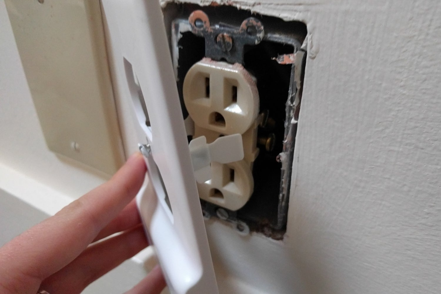 How To Make Your Circuit Breaker Easy To Use