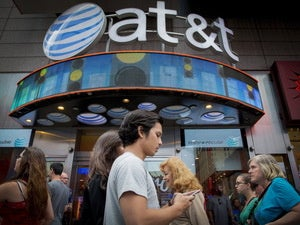 Which wireless carrier provides the best buying experience?