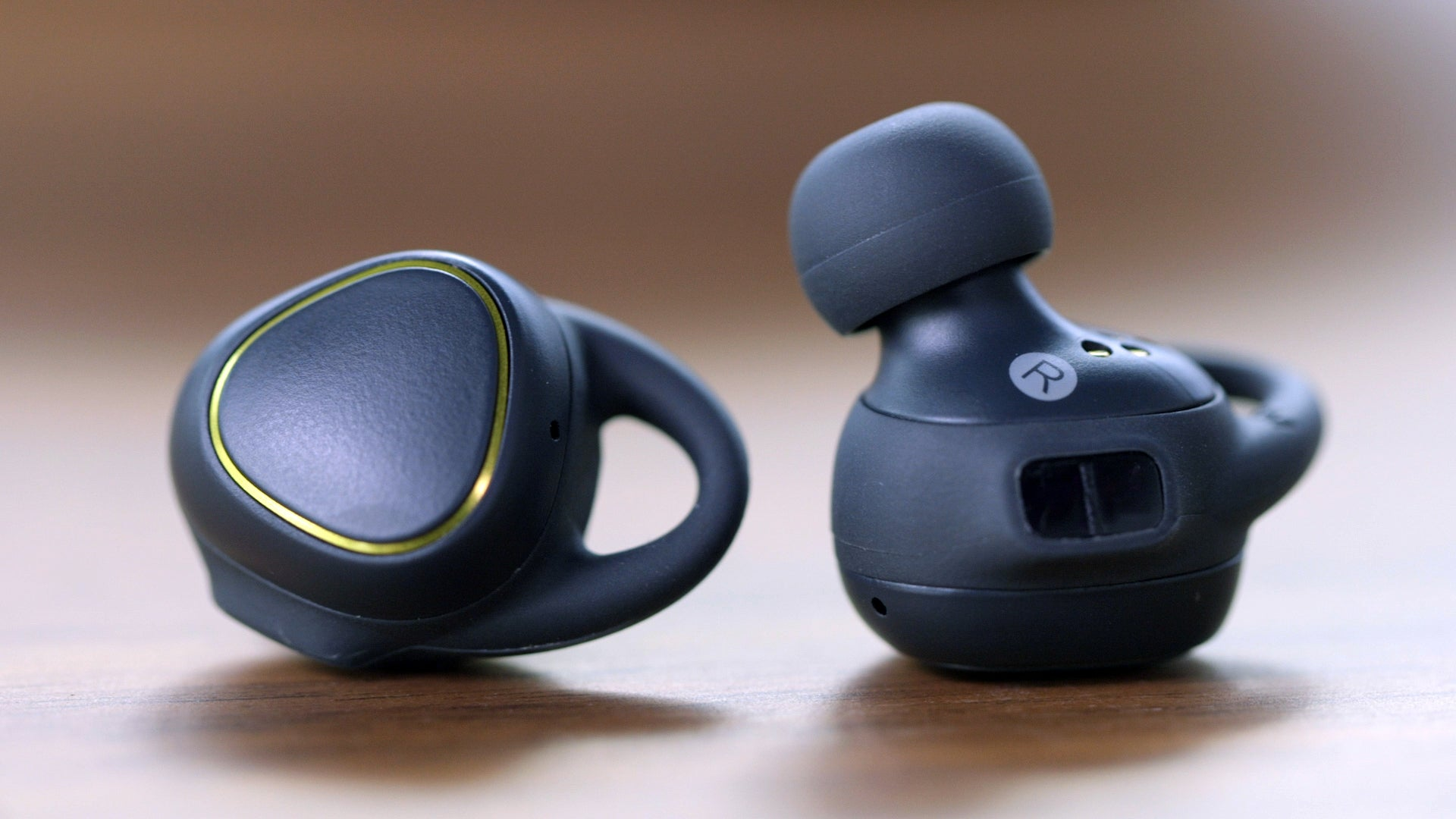 Samsung Gear IconX earbuds Review: Good bass, 4GB storage, but nagging  drawbacks. - Front Page - PC World Australia