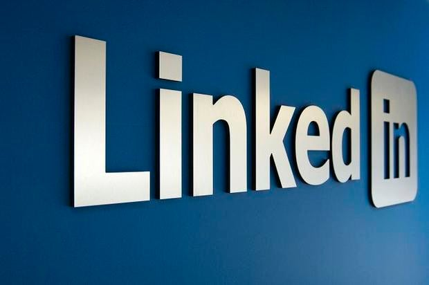 LinkedIn Logo - article about search function failure
